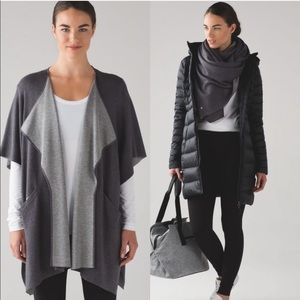 • Lululemon • After Asana Wrap OS Carbon Gray